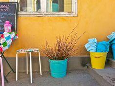 """Spring Stroll in Helsinki"" – Globe Hope on Aleksanterinkatu (Photo: Katja K.) ⎮ recyclie.blogspot.fi"