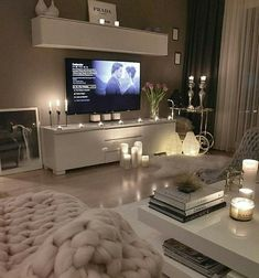 Healthy living at home sacramento california jobs opportunities Living Room Decor Cozy, Cute Room Decor, Cozy Room, Home Living Room, Living Room Designs, Bedroom Decor, Small Apartment Living, Aesthetic Room Decor, House Rooms