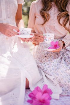 Gal Meets Glam Azalea Tea Party Picnic - Julia- Rebecca Taylor top, Brooks Brothers skirt; Lucy– Sea dress