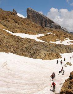 Souvent oubliée au profit des stations des Alpes du nord et/ou du sud, celles situées près des Pyrénées offrent pourtant un panorama tout aussi exceptionnel. http://www.elle.fr/Loisirs/Evasion/station-ski-Pyrenees