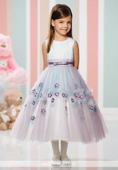 Joan Calabrese offers flower girl dresses, communion dresses and girl's special occasion dresses for all ages and sizes. Designer First Communion Dresses, Girls Designer Dresses, Baby Girl Party Dresses, Little Girl Dresses, Girls Dresses, Pageant Dresses, Dress Party, Fashion Kids, Little Girl Fashion