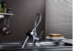 fashion chrome brass single lever hot and cold kitchen sink faucet,mixer tap,basin faucet with spring pipe