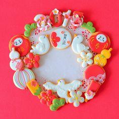 今年は新年のアイシングクッキーを年末夜な夜な作りましたヾ(❀╹◡╹)ノ゙❀だるまが難しかったけどなかなか好き(笑) ひょうたんはなんとクリスマスで使った雪だるま型を少しカットして工夫(´∀`艸) 今年はアイシングクッキーもう少し綺麗に早く出来るようになりたいな(*'∀'人)♥*+ . .お正月が終わる前に急いでpost(笑) . . . #アイシングクッキー#干支クッキー#干支#お正月#アイシングクッキー#あいりおースイーツ#コッタ#クッキングラム#クッキングラムアンバサダー#linstagram #locari #igersjp #instafood #instagramjapan #kurashiru #kurashirufood #おやつ#デリスタグラマー#キナリノ#lin_stagrammer#手作り冬お菓子