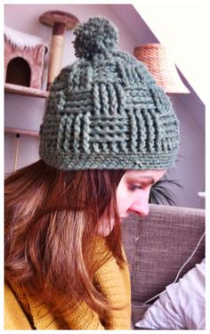 Serendipity Is Life: Bobble crochet hat # 2 with a great basket pattern
