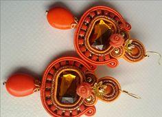Orecchini soutache by KIMA Pietra swarovski arancione - Linea Cheap & Chic…