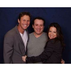 Holly Marie Combs & Brian Krause + a fan   ☆ Holly Marie ...