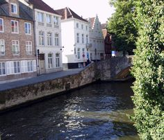 Brugge - Bruges - Zicht op de Groene Rei vanuit het huis Die Caese - 2013 - Foto: Eddy Dubruqué