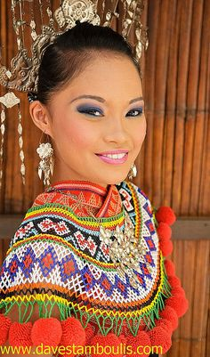 Borneo Woman | portrait of a traditional iban woman in sarawak borneo malaysia 1