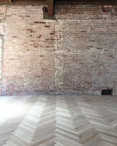 Beautiful brick wall and herringbone floor. the herringbone floors are down at the bakery! It's starting to all come together Joanna Gaines Style, Chip And Joanna Gaines, Chip Gaines, Magnolia Farms, Magnolia Homes, Magnolia Hgtv, Magnolia Market, Silos Baking Co, Magnolia Fixer Upper