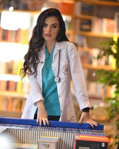 College Graduation Photos, Future Jobs, Classy Aesthetic, Female Doctor, Dream Job, Scrubs, Eye Makeup, Medicine, Success