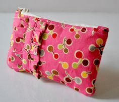 Perfect to store your ipod,mp3 player,mobile,credit cards or even business cards.