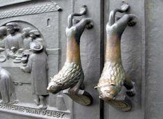 Цюрих (Швейцария) Ручки ворот/дверей церкви Grossmunster