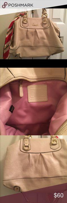 Coach purse Coach purse convertible straps Coach Bags