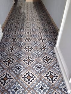 Your hallway should be able to deal with numerous tasks. He too will be no exception, with plenty of choice to showcase your own personal style and cr… Home & Apartment Ideas for best int… Decor, Hallway Flooring, Home Decor, Flooring, Victorian Tiles, Tiled Hallway, Downstairs Toilet, Victorian, Small Hallways