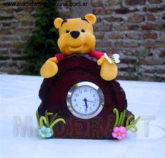 reloj pooh porcelana fria
