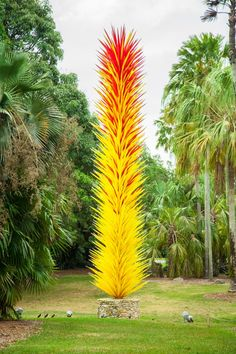 Gallery: Dale Chihuly Glass Art – Pop and Thistle Broken Glass Art, Sea Glass Art, Shattered Glass, Stained Glass, Beautiful Landscapes, Beautiful Gardens, Beautiful Flowers, White Flowering Trees, Glass Art Pictures
