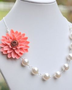 coral floral necklace :: so lovely!