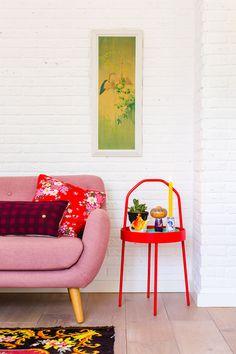 Chinoiserie en kokeshi - Oh Marie! Nordic Living Room, Simple Living Room, Scandinavian Interior Design, Interior Design Tips, Interior Inspiration, Room Inspiration, Space Interiors, Colorful Interiors, Pastel Interior