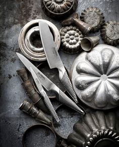 Three of five essential knives for the kitchen. A paring knife, a utility knife and a vegetable knife. Best Chefs Knife, Global Knives, Steel Grades, Japanese Chef, Professional Chef, Utility Knife, Knife Sharpening, Kitchen Knives, Kitchen Ware