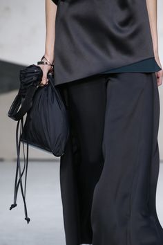Marni Spring 2016 Ready-to-Wear Accessories Photos - Vogue | life is about