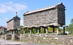 Imagen Costa, Pergola, Outdoor Structures, House Styles, Building, Travel, Granite, Land's End, Mountain Range