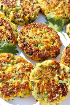 Vegan Zucchini Fritters, Vegan Zucchini Recipes, Vegan Zucchini Boats, Zucchini Crisps, Vegan Vegetarian, Vegetarian Recipes, Cooking Recipes, Healthy Recipes, Healthy Food