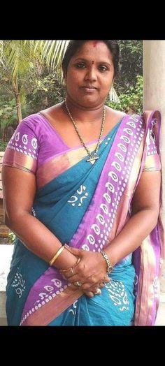 Indian Natural Beauty, Beautiful Women Over 40, Curves, Sari, Fashion, Saree, Moda, Fashion Styles, Full Figured