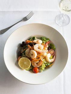 USED////M E N U / / Something light, garlic tiger prawns & marinated tuna with baby cos & fetta salad.
