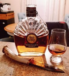 Bourbon Whiskey, Whisky, Wild Turkey, Party Food And Drinks, Derby Party, Rye, Kentucky Derby, Bartender, Scotch