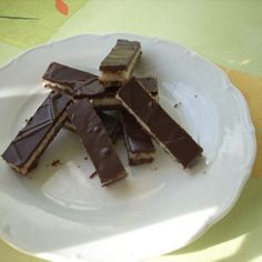 Kokosové potěšení | recepty pečení | koláče, zákusky, dorty | najpečenie.sk International Recipes, Sweet Recipes, Candy, Chocolate, Cooking, Food, Coffee, Kitchen, Kaffee