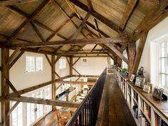 Boston North Shore Barn Home by Siemasko + Verbridge