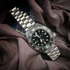 #repost @ggn83 👈Thanks! #strapcodefeaturing Bracelet Ref : B033S • • • • • • • #orient #orient40n5a #strapcodeendmill #osd #os300 #orientstar #orientstardiver #orientdiver #orientwatches #divewatches #watchesofinstagram #wristshots #wv0041el #orientsaturationdiver #orientjapan #watchesandbracelets Luxury Watches, Rolex Watches, Orient Watch, Iwc, 316l Stainless Steel, Watch Case, Sport Watches, Bracelet Watch, Metal
