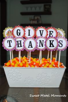 Thanksgiving centerpiece - printable available