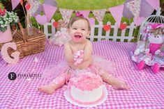 Cake Smash Backdrop, Festa Moana Baby, Maternity Midi Dress, Glass Skin, Birthday Photography, Baby Birthday, Funny Babies, Baby Pictures, First Birthdays