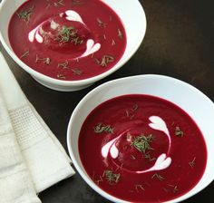 This bright red Roasted Beet Soup is as delicious as it is beautiful. Roasting is the best way to cook beets because it really brings out their sweet taste. -Very good - nice deviation from the norm. Beet Recipes, Soup Recipes, Vegetarian Recipes, Cooking Recipes, Healthy Recipes, Smoothie Recipes, Jai Faim, Beetroot Soup, Red Beets