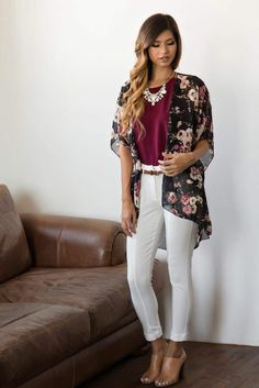Sep 2016 - Floral Kimonos, Kimono Style, Fall Outfit Inspiration, How to Wear Florals for Fall, Women's Boutique Floral Cardigan Outfit, Cardigan Outfit Summer, How To Wear Cardigan, Cardigan Outfits, Casual Outfits, Fashion Outfits, Black Kimono Outfit, Kimono Cardigan, Fashion Women