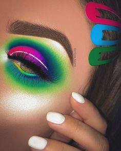 Bright Eye Makeup, Makeup Eye Looks, Eye Makeup Art, Colorful Eye Makeup, Beautiful Eye Makeup, Eyeshadow Makeup, Makeup Goals, Makeup Inspo, Makeup Inspiration