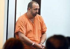 अमेरिकी पुलिस ने नॉर्थ कैरोलिना में तीन मुस्लमानों की हत्या करने वाले एक बंदूकधारी को गिरफ्तार किया है
