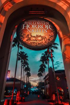 Visit the post for more. Halloween Date, Halloween Inspo, Halloween Night, Halloween Themes, Halloween 2020, Universal Halloween Horror Nights, Universal Studios Halloween, Universal Studios Florida, Universal Orlando