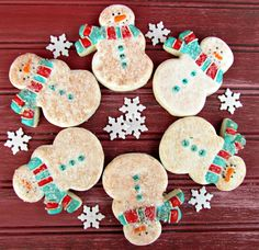 These little old snowman cookies are so cute with an antique finish and a sparkle of sugar. Sugar cookies decorated with royal icing are great holiday gifts Christmas Cookies Gift, Christmas Sweets, Christmas Cooking, Christmas Diy, Christmas Goodies, Christmas 2017, Christmas Stuff, Christmas Recipes, Holiday Gifts