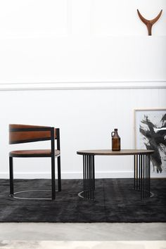 Oso dining chair and Lex coffee table by Dark Horse. Leather Dining Chairs, Dining Bench, Strong Curves, Modern Furniture, Furniture Design, South African Design, African Furniture, Dark Horse, Horses