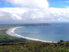 Porth Neigwl (Hell's Mouth) from Mynydd Rhiw. One of our favourite surfing beaches and camping spots. Camping Spots, Go Camping, Places Ive Been, Places To Visit, Southern Ireland, Heaven On Earth, Countryside, Surfing, North Wales