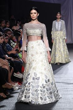 Manish Malhotra bridal collection. Shop for your wedding trousseau, with Bridelan - a personal shopper & stylist for Indian brides & grooms, visit our website www.bridelan.com #Bridelan #weddinglehenga #manishmalhotra