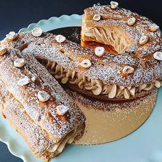 "Découvrez mon livre number cakes et ""mon kit number cakes"" - Laet's bake it Pastry School, Croquembouche, Paris Brest, Birthday Desserts, Number Cakes, Cake & Co, 1 An, Macaron, Food Dishes"
