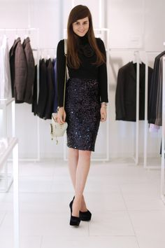 I need another sparkly skirt! Sparkly Skirt, Sequin Skirt, Boys Who, Pencil Skirt Outfits, Casual Elegance, Alternative Fashion, Dress To Impress, Style Inspiration, Style Ideas