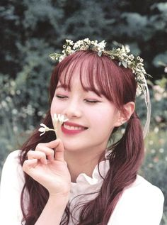 I should be doing my paper but now all I can think about is this Kpop Girl Groups, Korean Girl Groups, Kpop Girls, I Love Girls, These Girls, Teaser, Cosmic Girl, Lee Hi, Chuu Loona