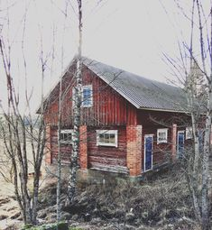 Cabin, House Styles, Photos, Home Decor, Decoration Home, Room Decor, Cottage, Cake Smash Pictures, Interior Decorating