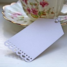 White Luggage Tags with Ribbon Large - Pack Of 10 #theweddingofmydreams