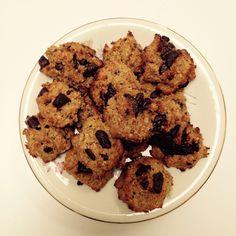 Het is er weer het weer voor: koekjes bakken. En geen schuldgevoel na deze gezonde koekjes, die ook nog eens heel snel gemaakt zijn. Ook een ideaal receptje als je nog wat quinoa over hebt van de d…