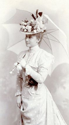 +~+~Antique Photograph~+~+  Stunning woman with fashionable hat and umbrella.